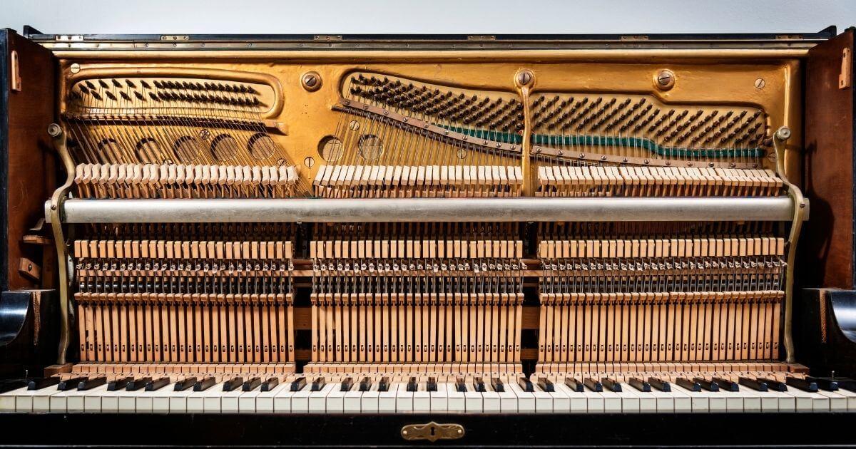 ピアノ内部